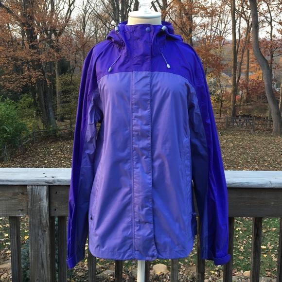 L.L. Bean Jackets   Blazers - Women s Purple L.L. Bean Windbreaker Rain  Jacket 7c0234fc3f