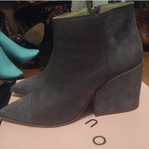 Ouigal Boots - Ouigal suede boots Grey size 8 with box