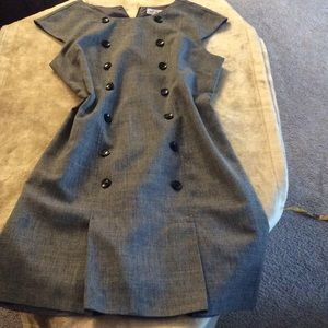 Sag Harbor Dresses & Skirts - 💞Elegant sleeveless dress💞knee length