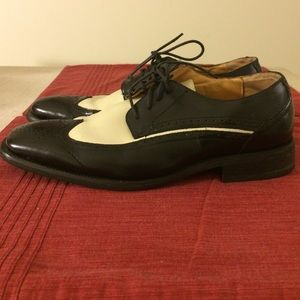 Giorgio Brutini Other - Giorgio Brutini B&W Wing Tip Dress Shoes