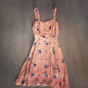 Isabel Lu Dresses & Skirts - Cute floral summery dress
