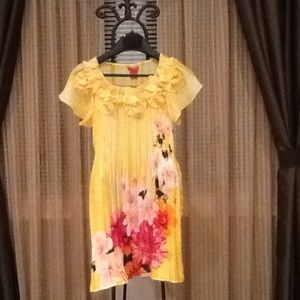Dresses & Skirts - 🎉HP🎉 Floral Dress