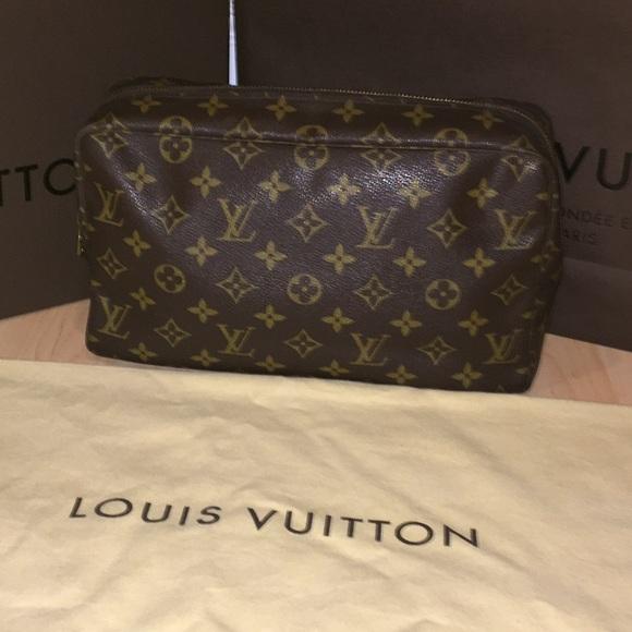 152344bce474 Louis Vuitton Handbags - Vintage Louis Vuitton Toiletry Bag Sz 28