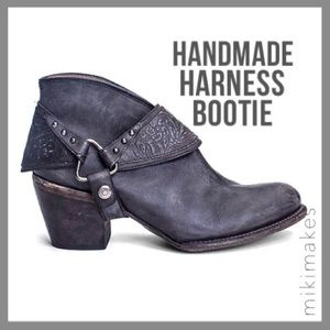 Matisse Shoes - MATISSE • handmade black bootie with harness