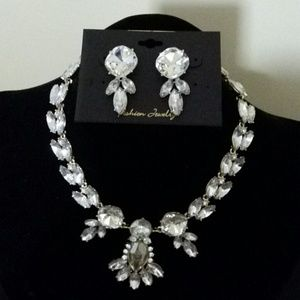 Jewelry - FINAL PRICE.  Wow factor necklace set