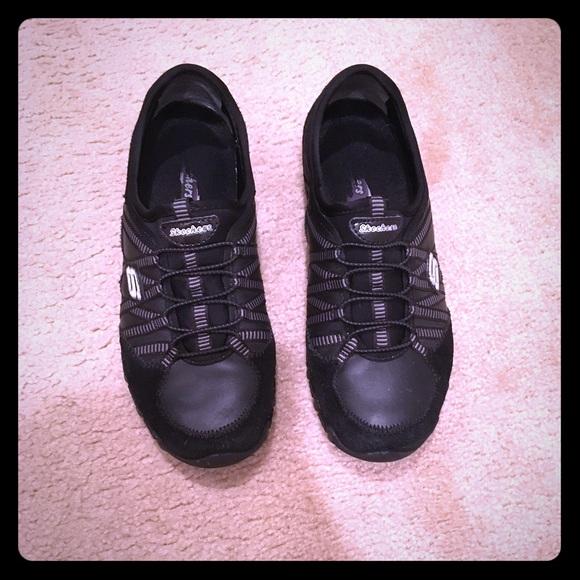 ganso barba niebla  Skechers Shoes   Black Skechers Flat Sneakers Size 7   Poshmark