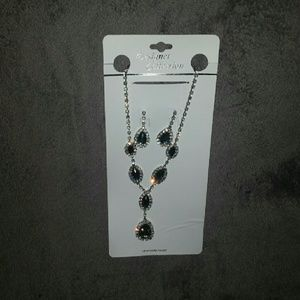 Jewelry - necklace & earring set