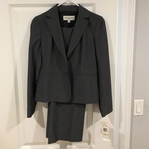 Jones New York Other - Jones New York Suit Sz 2P. NWT!