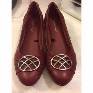 Bare Traps Shoes - Gorgeous shoes never worn Bare Traps