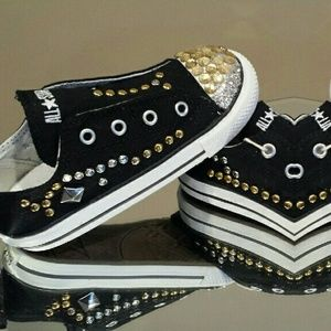 Converse Other - Gym Shoe/ Converse for SALE (To Purchase)
