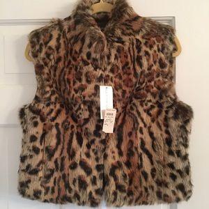 Adrienne Landau Jackets & Blazers - 🎉🎉HP🎉🎉 NWT Adrienne Landau Stenciled Fur Vest