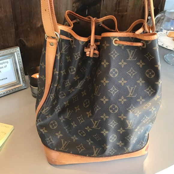 94e591a2e89 Louis Vuitton Handbags - Louis Vuitton Vintage Noe Bucket Bag