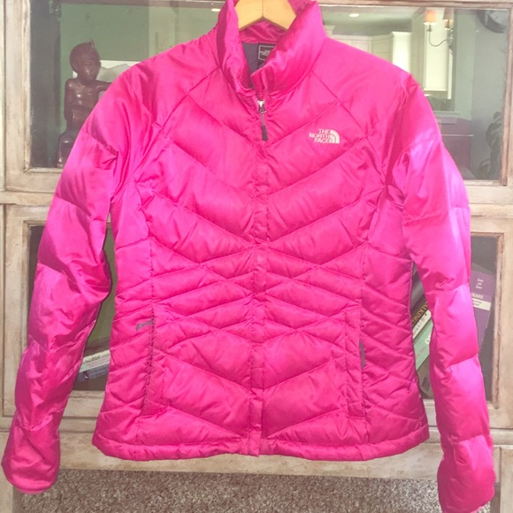 3133b52b77df Womens North Face Pink Puffer Coat. M 582ddf9fd14d7b8f5c02a3ac