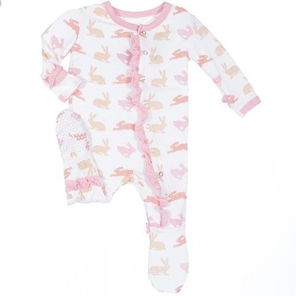 cb92c5e3b Kickee Pants Other - Kickee Pants Ruffle Footie - Pink Bunnies - NB