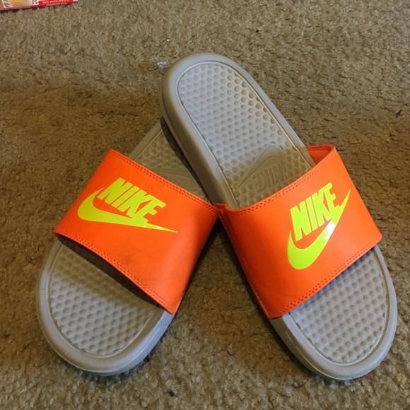 7a2fdf329475 Neon Nike Slides. M 582dfa144225be67720301db