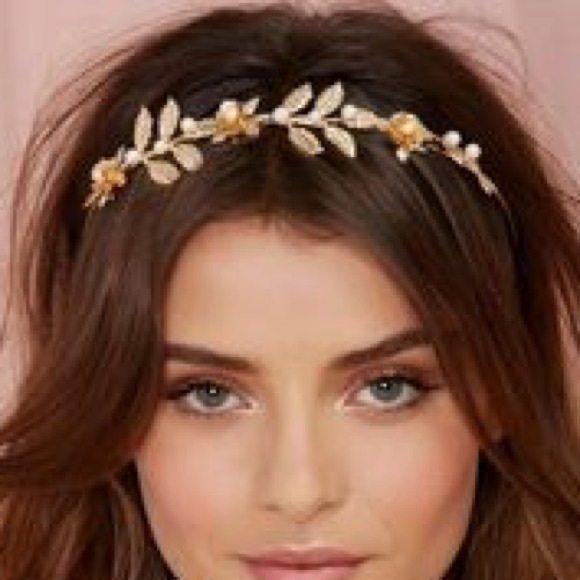 174cf5d2fc4a4 Missguided Accessories | Gold Leaves Greek Inspired Hair Accessory ...
