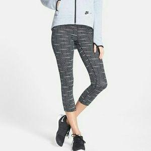 Nike Pants - Nike Epic Run' Dri-FIT Capris