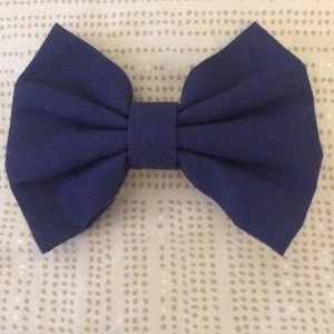 NWOT Fabric Hair Bow