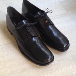Banana Republic black leather Oxford shoes