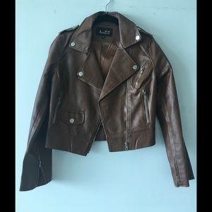 Brown leather jacket. Brand: AODIAN
