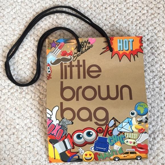 4dac7298bb Bloomingdale's Handbags - SALE✨BLOOMINGDALES Limited Edition Little BrownBag