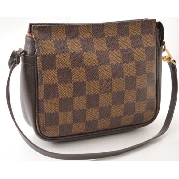 f12d80f260d19 Louis Vuitton Handbags - Louis Vuitton damier ebene cosmetic pouch clutch
