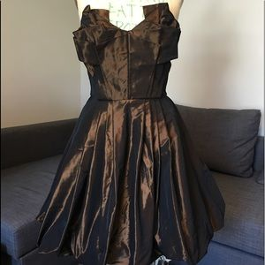 Diane von Furstenberg Baga Dress in Sample Size 6.