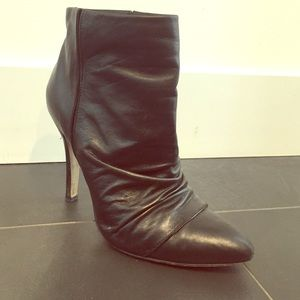 Boutique 9 Ruched Black Booties