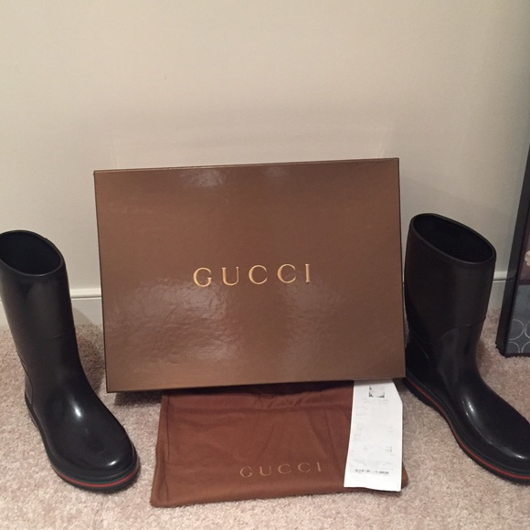 8d28f9ead30 Gucci Shoes - Unisex Black Gucci Rain Boots Men 9 Women 10.5 ☔️