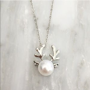 Jewelry - HP 💥Clearance Sale💥NWT Reindeer Necklace