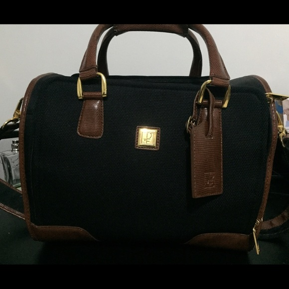 Diane von Furstenberg Handbags - Authentic VINTAGE DVF travel  Makeup bag 19bc8d6307