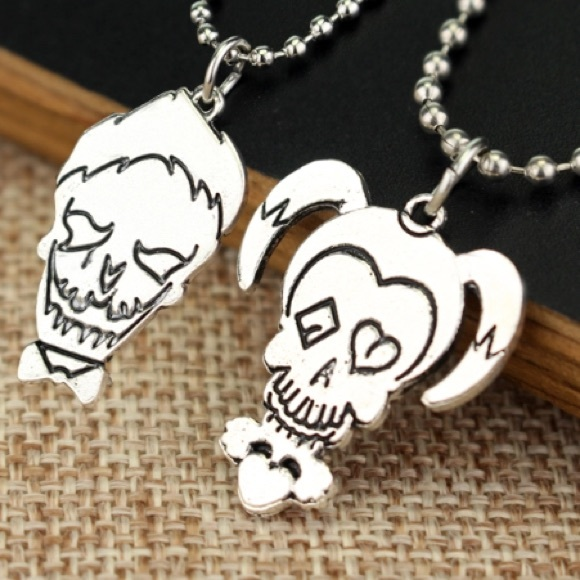Jewelry sale suicide squad joker harley quinn necklace for Harley quinn and joker jewelry