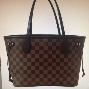 Louis Vuitton Handbags - Authentic Louis Vuitton neverfull PM tote bag
