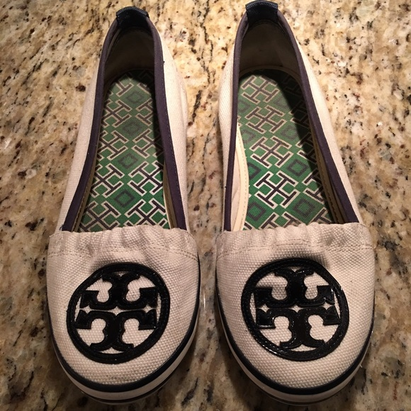 e8fdd4ca9f0a Final Sale!! Tory burch canvas flats sneakers. M 582f07fc4e95a3f26e025dfd