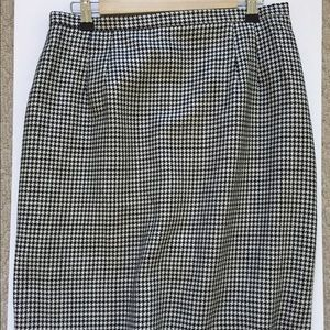 TALBOTS Houndstooth Navy SKIRT 14P