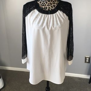 Gibson Latimer Tops - Ivory blouse with shear black sleeves