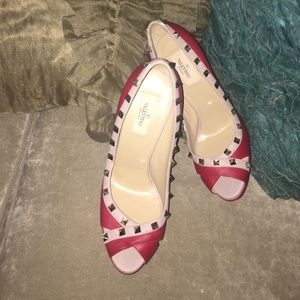 Valentino Garavani Shoes - Valentino Rockstud Pumps 👠AUTHENTIC👠