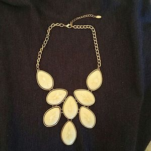 Eye Catching Statement Necklace Gold & Cream