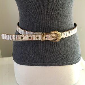 """Accessories - Vintage Multi colored Belt Sz 30.5-34.5"""""""