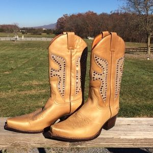 "Frye ""Daisy Dukes"" Genuine Leather Boots, Size 8."