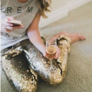 🎁COMING SOON🎁Gold Sequin Holiday Leggings🎉