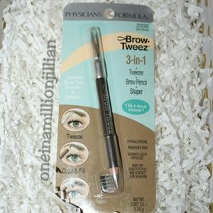 Physicians Formula Other - Physicians Formula Brow Tweeze