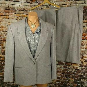 Personal Dresses & Skirts - Plus Vintage 4 Piece Wool Suit
