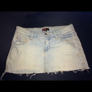 FOREVER 21 Cutoff Denim Miniskirt. Size Small