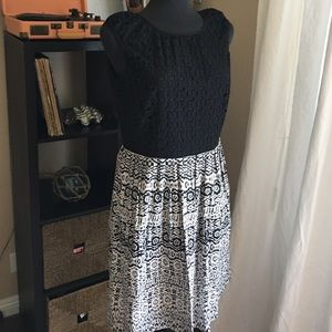Ellen Tracy black & white dress as 12 eyelet top