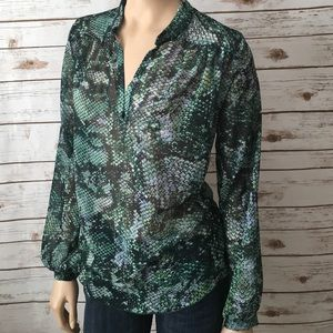 Sweet Pea Tops - Sweet Pea Top Green Loose Snake Print Split V Neck