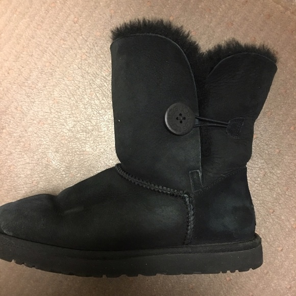 52be47c1b71 Ugg Boots Bailey Button Black Size 8