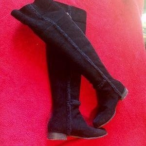 BCBGMaxAzria Shoes - ❤️sale ❤️️BCBGMAXAZRIA thigh high Boots ❤️️