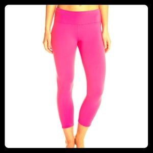 Hard Tail Pants - Hard Tail Magenta Mid-Calf Yoga Pants (S/M)