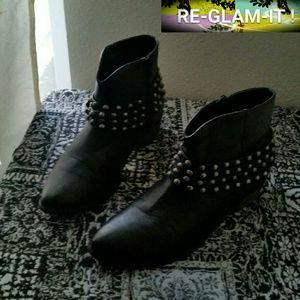 Yoki Shoes - YOKI ..PRICE FIRM ..BEAUTIFUL STUD...ANKLE BOOTIES